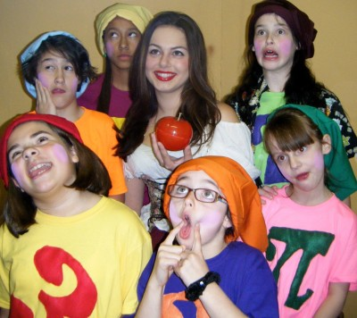 Snow White and Dwarves 3